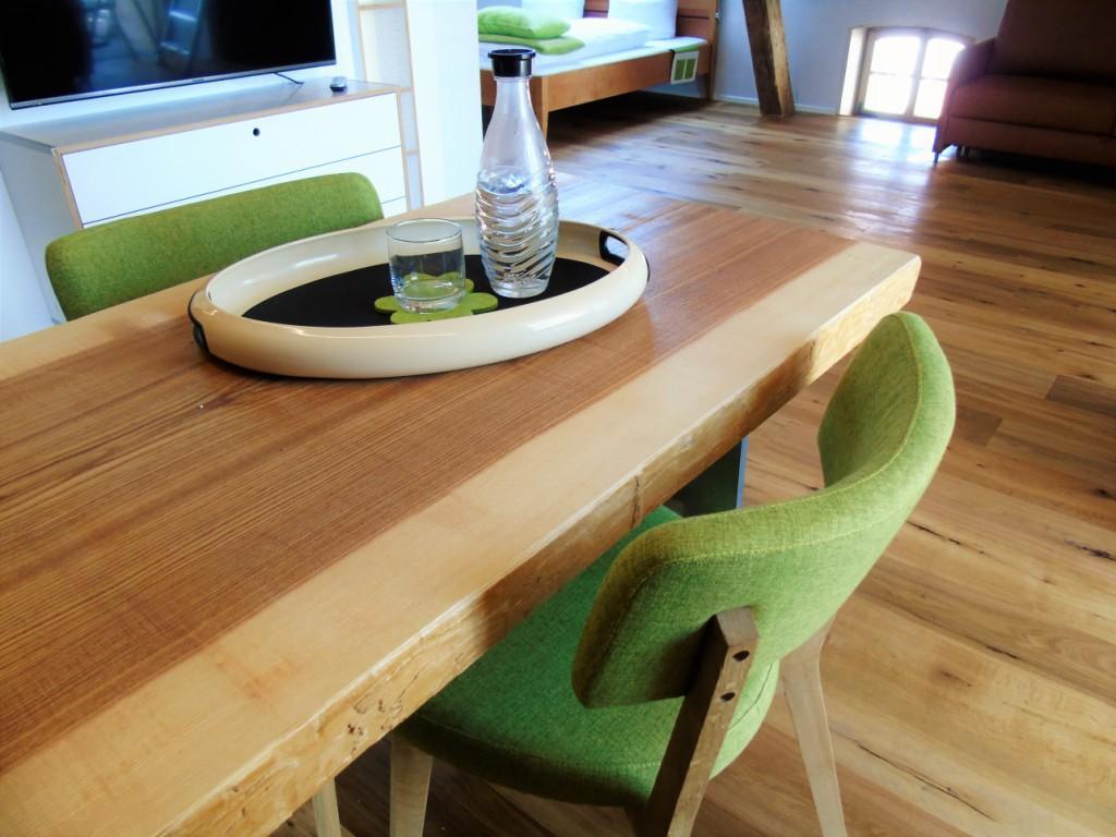 Gelebte Nachhaltigkeit mit einem Esstisch aus heimischer Esche